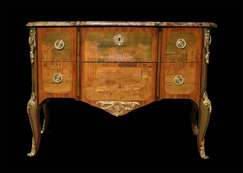 Fine Transitional marquetry commode