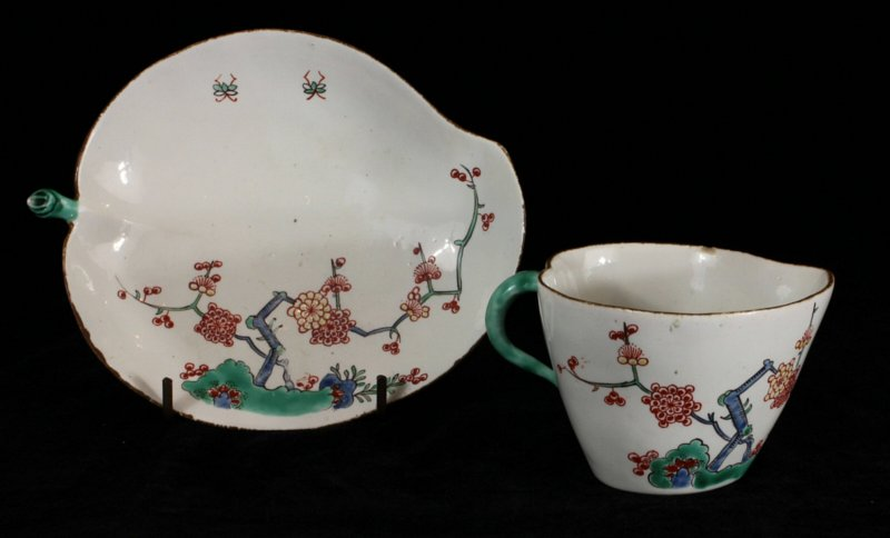 Chantilly Kakiemon cup and saucer