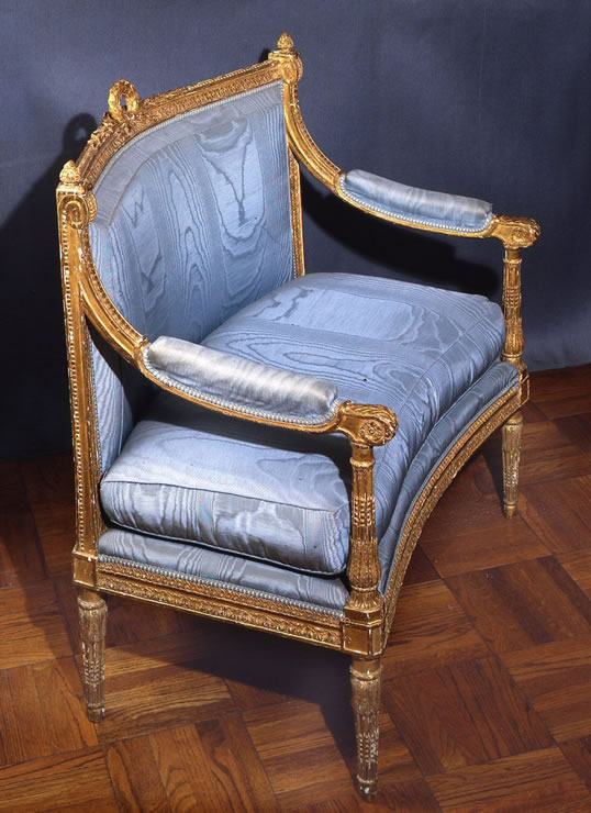 Louis XVI gilded marquise for a niche